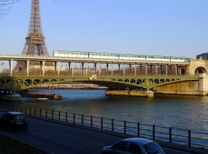 P1080369_Paris_VII-XV-XVI_pont_de_Bir_Hakeim_rwk